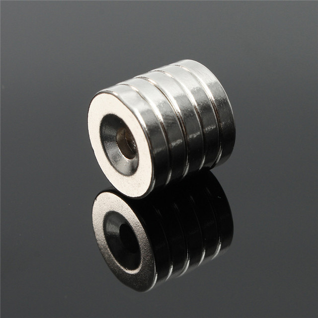 10pcs 15 x 3mm Hole 4mm N50 Magnets Strong Ring Round Rare Earth Neodymium Magnets 15mm x 3mm Permenent Magnet Hot