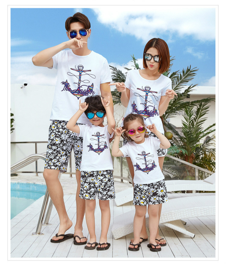 050c791c664 Summer Holiday Beach Look Parents and Children Short-sleeved T ...