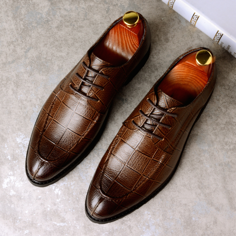 2018 New Men's Business Shoes England Handmade Crocodile Pattern With Dress Shoes Formal Gents Shoes Men Paired With Suit Shoes men s dress shoes crocodile pattern british work shoes men s business shoes elegant fashion shoes with suit