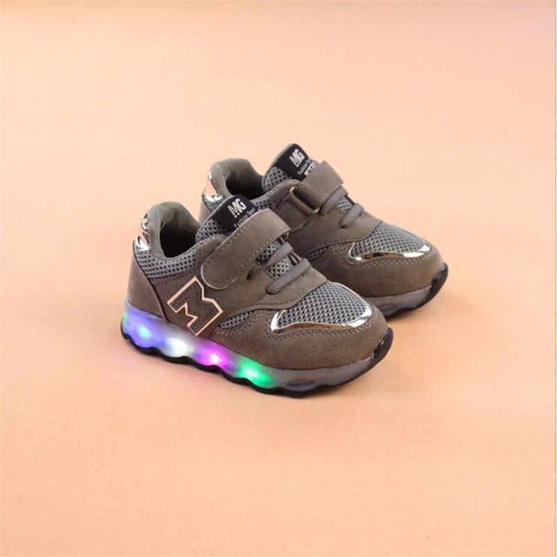 בני בנות נעלי 2019 ילדים נעליים עם אור אוויר רשת ילדי סניקרס הזוהר ילד ילדה Led אור ספורט נעלי גודל 21-30