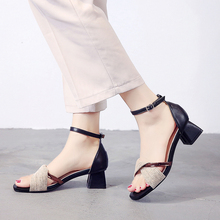 Liren 2019 Summer New Casual Lady Comfortable Buckle Cross-tie Sandals Women Round Open Toe Square Heels Shoes