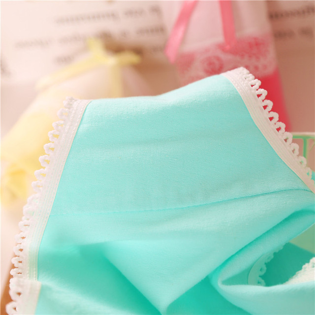 2017 Hot New Candy color cotton girl underwear Low waist cute bow Teen panties for girls 12-20year girls Lace embroidery panties