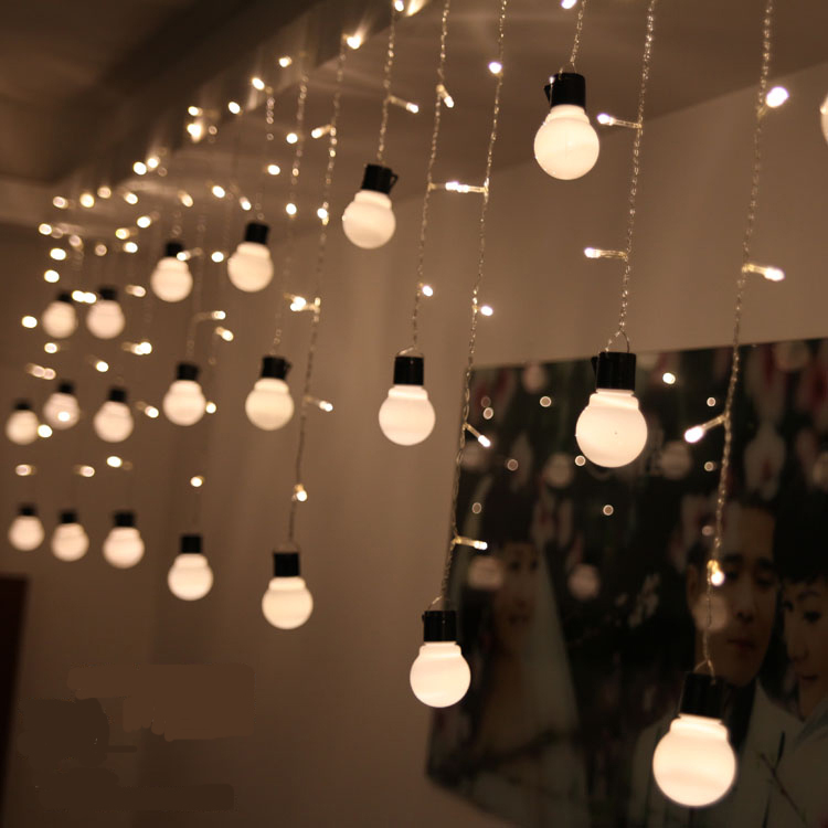 4*0.5M 96 LED Fairy String Curtain Light Window Icicle Lights Ideal for Indoor Outdoor Home Garden Christmas Party Wedding