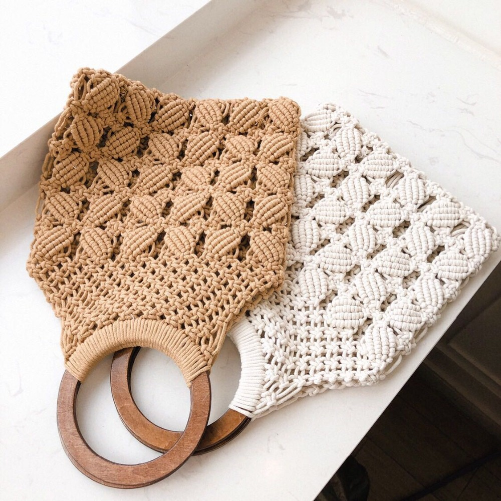 2019 spring and summer new woven bag hollow beach bag wooden handle ring straw handbag female tote2019 spring and summer new woven bag hollow beach bag wooden handle ring straw handbag female tote