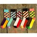 Бесплатная Доставка Новые Марка Happy socks Британский Стиль Плед Носки Градиент Цвета Высокого Качества мужские Хлопчатобумажные клетчатые гольфы