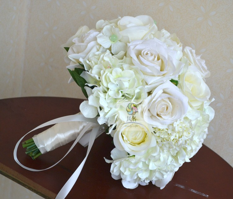 Wedding White Hydrangea: High Quality Handmade Bride Holding Flower White Rose