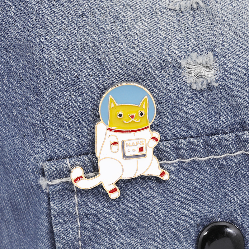 Animal Pins and brooches Space cat pins Cat Badges Hard enamel lapel pin jewelry