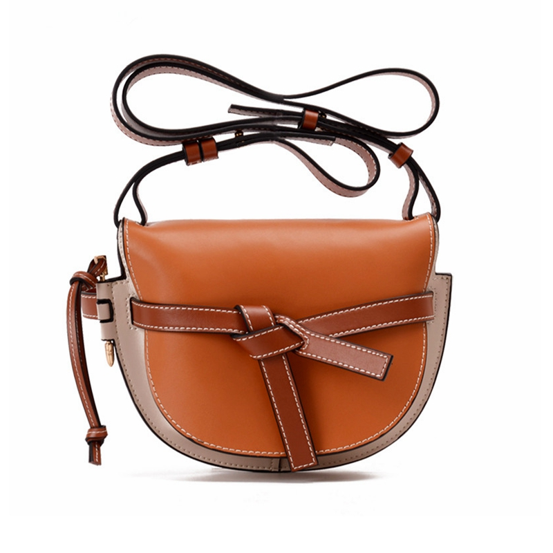 2018 the new leather saddle bag gate bag women's bag, the bow of the bow and the half moon bag. verne j from the earth to the moon and round the moon isbn 9785521057641