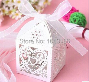Free shipping party candy box Love Heart Laser Cut Candy Gift Boxes With Ribbon Party sweet Favor Creative Favor Bags 400pcs/lot
