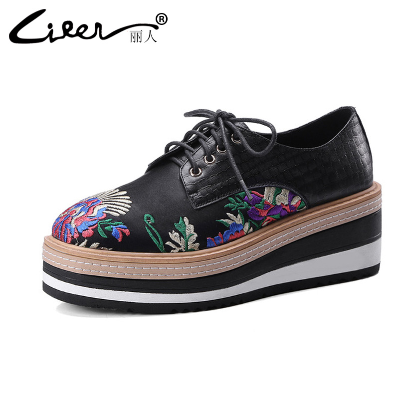 Liren 2018 Spring/Autumn Women Flats Floral Black Pu Casual Wedge Zapatos Mujer Platform Shoes New Embroidery Flat Women Flats 2017 spring new women sweet floral embroidery pastoralism denim jeans pockets ankle length pants ladies casual trouse top118