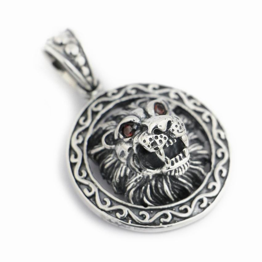 LINSION 925 Sterling Silver Guardian King Lion CZ Round Charms Biker Punk Pendant 8B003 linsion angel bird wing feather 2 side solid 925 sterling silver charms pendant 8a008