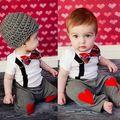 2 Pcs bebê crianças meninos Bow Tie coração vermelho Bodysuit + calça comprida suspensórios roupa estabelecidos roupas fotografia adereços