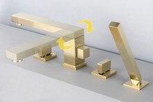 Матовый Золотой Латунь площадь ванной комнатой кран Набор 2 Ручка 4 отверстия смеситель высокого качества дизайн вращающийся Душ коснитесь