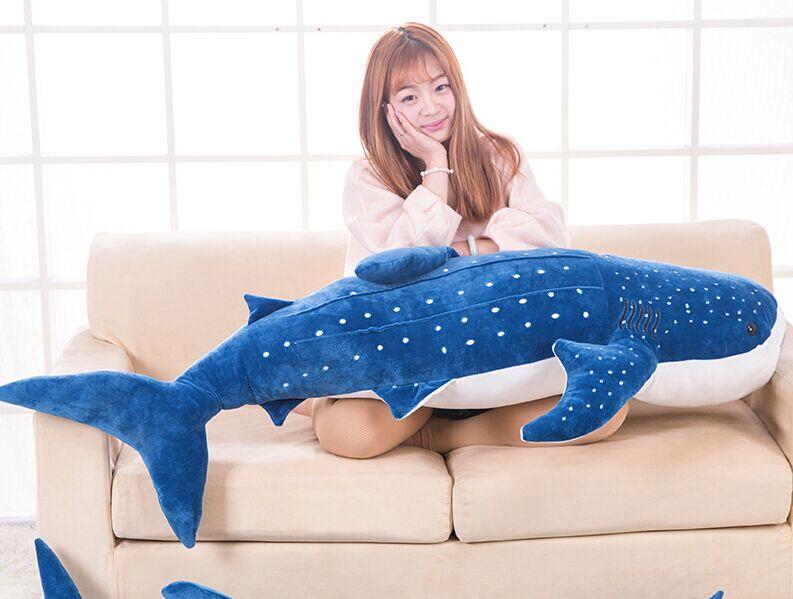 Énorme nouveau jouet de requin bleu en peluche gros cadeau de poupée de baleine de mer en peluche environ 150 cm