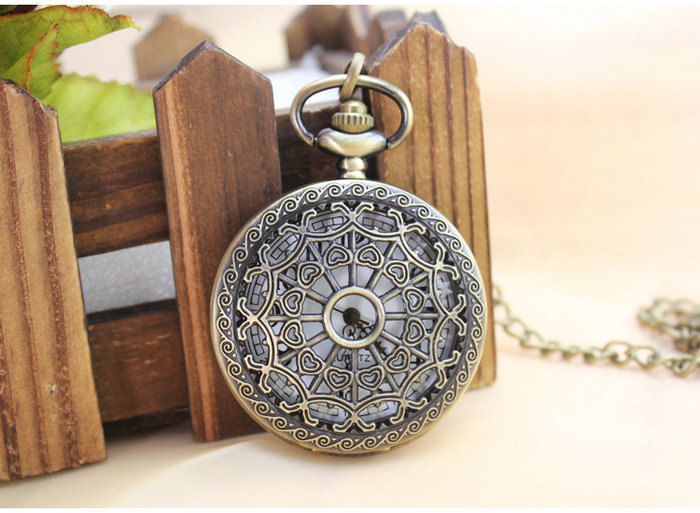 1pcs Antique Hollow Pattern Brass Quarts Vintage Retro Pocket Pendant Watch with Chain For Women Men - big Size antique retro bronze car truck pattern quartz pocket watch necklace pendant gift with chain for men and women gift