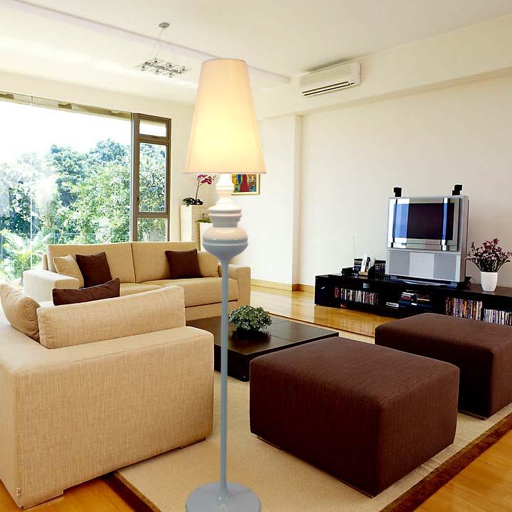 US $177.0 |2017 nuovo piano luce Spagnolo defender bianco camera da letto  lampada ristorante lampada da terra lampada da terra soggiorno FG678 in  2017 ...