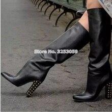 ALMUDENA/Лидирующий бренд; цвет черный, бордовый, золотой; сапоги до колена с заклепками на не сужающемся книзу массивном каблуке; женские модельные туфли, Украшенные шипами; высокие сапоги