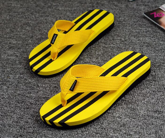 Good quality 39-44 wholesale man sandals slippers new slippers slope beach male sandals black red yellow FLIP FLOPS Lightbottom