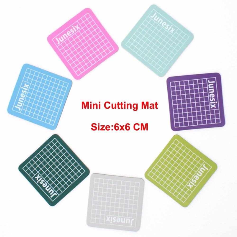 7pcs/lot DIY Assistant Mini Cutting Mats-school Supplies