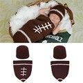 Niños recién nacidos bebe café color de fútbol crochet apoyos de la fotografía accesorios de fotografía crochet clothing set mzs-14095