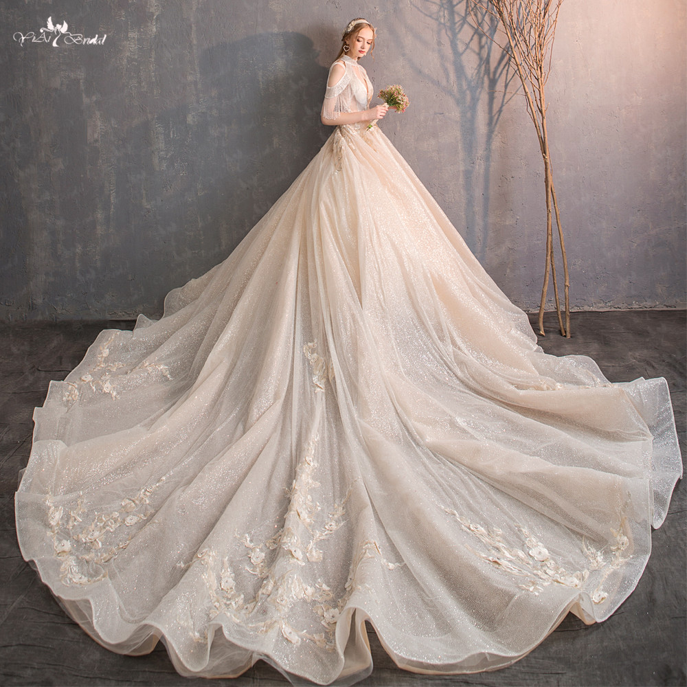 LZ250 New Design Real Picture Royal Train Wedding Dress