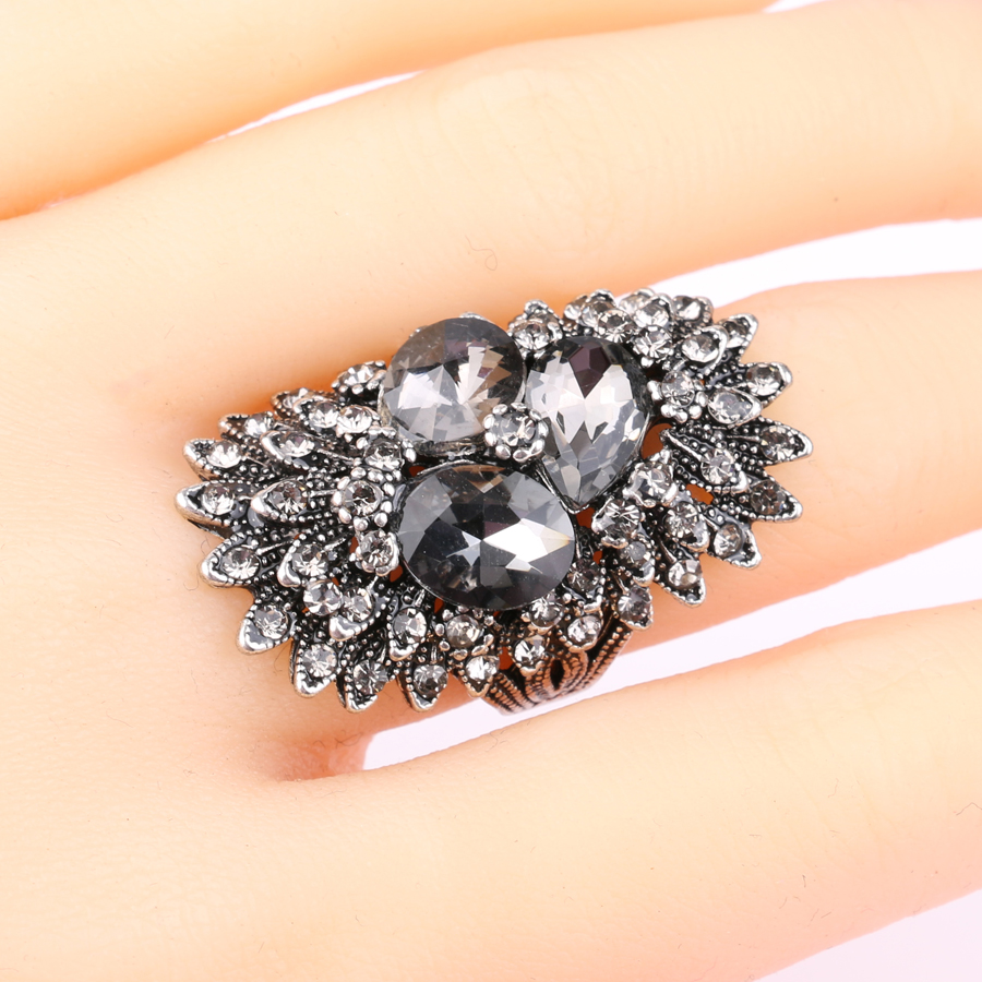 Unique Vintage Jewelry Gray Glass Big Rings For Women Ancient Silver Color Punk Ring Female Crystal Party Gift