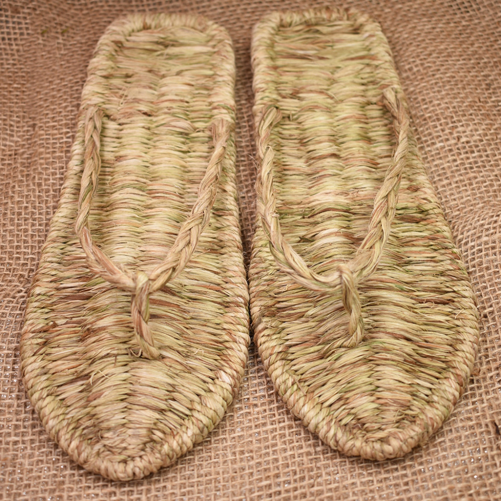 Chinese ancient hand-woven straw shoe summer new flip flops indoor home slippers sandals retro personality fashion men women rzt woven design straw flat sandals