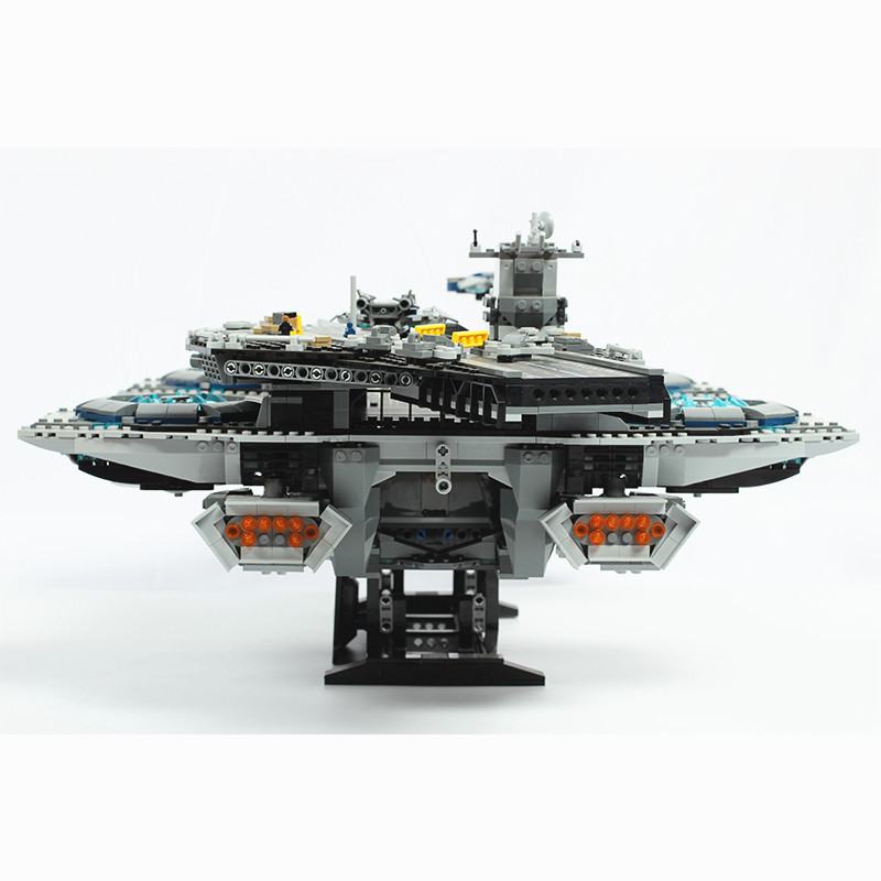 Image 4 - Super Movies Series The SHIELD Helicarrier Building Blocks 2996PCS  Compatible with 76042 lepins 07043 Toys BricksBlocks   -