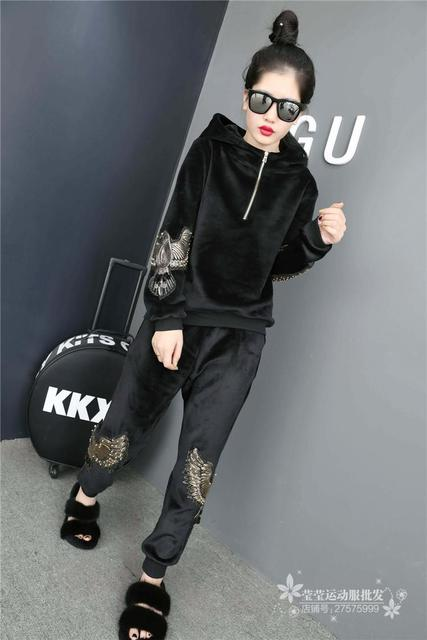 Europe winter GIRLS suit with female Swan velvet embroidered women tracksuit fashion leisure thickened two piece