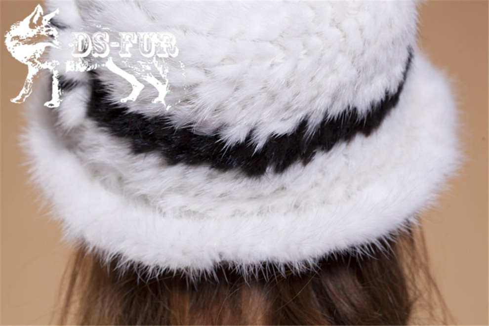 Mink knitted hats black and white stripes08