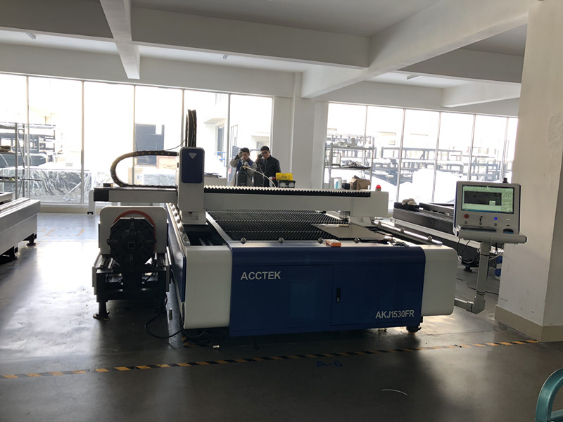 1500 3000mm 10mm stainless steel fiber laser cutting machine 3000W in Wood Routers from Tools