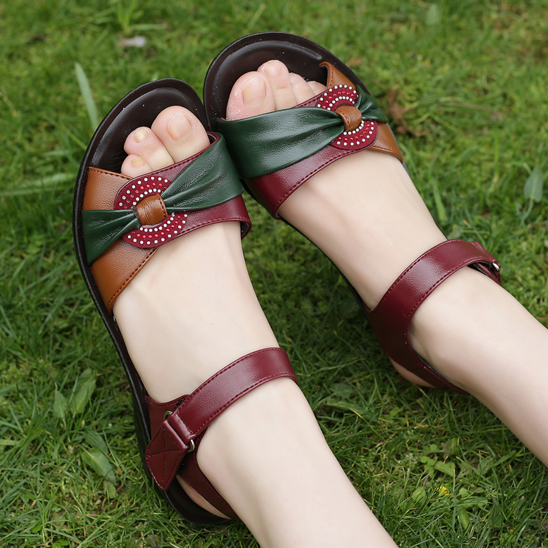 ZZPOHE 2017 summer new fashion Woman sandals mother large size Flat leather Sandals slip comfort elderly Soft bottom sandals timetang summer new middle aged soft leather mother sandals soft bottom elderly large size flat woman non slip sandals c212