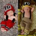 Bombero bebé apoyos de la fotografía Newborn Infant Toddler Crochet Knitting sombrero y pantalones recién nacido estudio fotográfico traje
