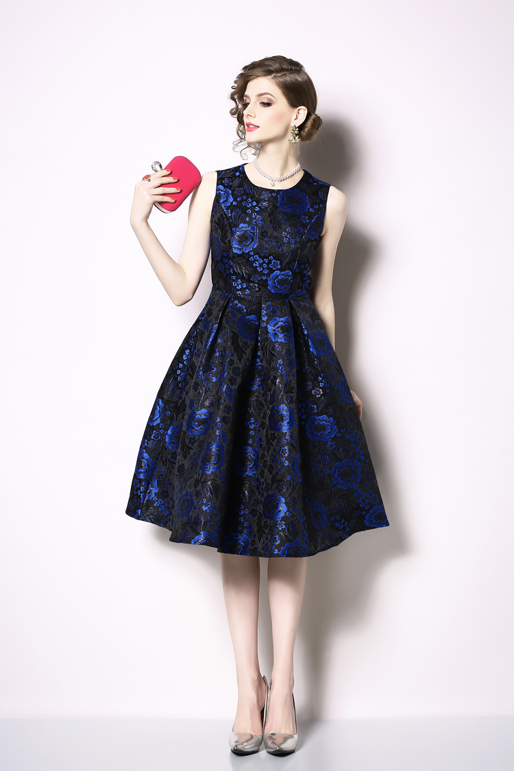 Elegant Sleeveless Printed Vintage Swing Dress 3