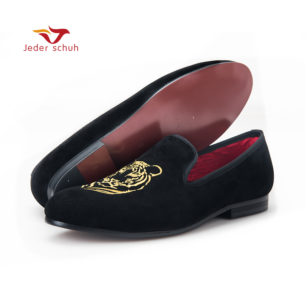 Jeder Schuh new arrival men velvet shoes with Tiger embroidery Banquet and Prom men loafers Male smoking slippers piergitar 2016 new india handmade luxurious embroidery men velvet shoes men dress shoes banquet and prom male plus size loafers