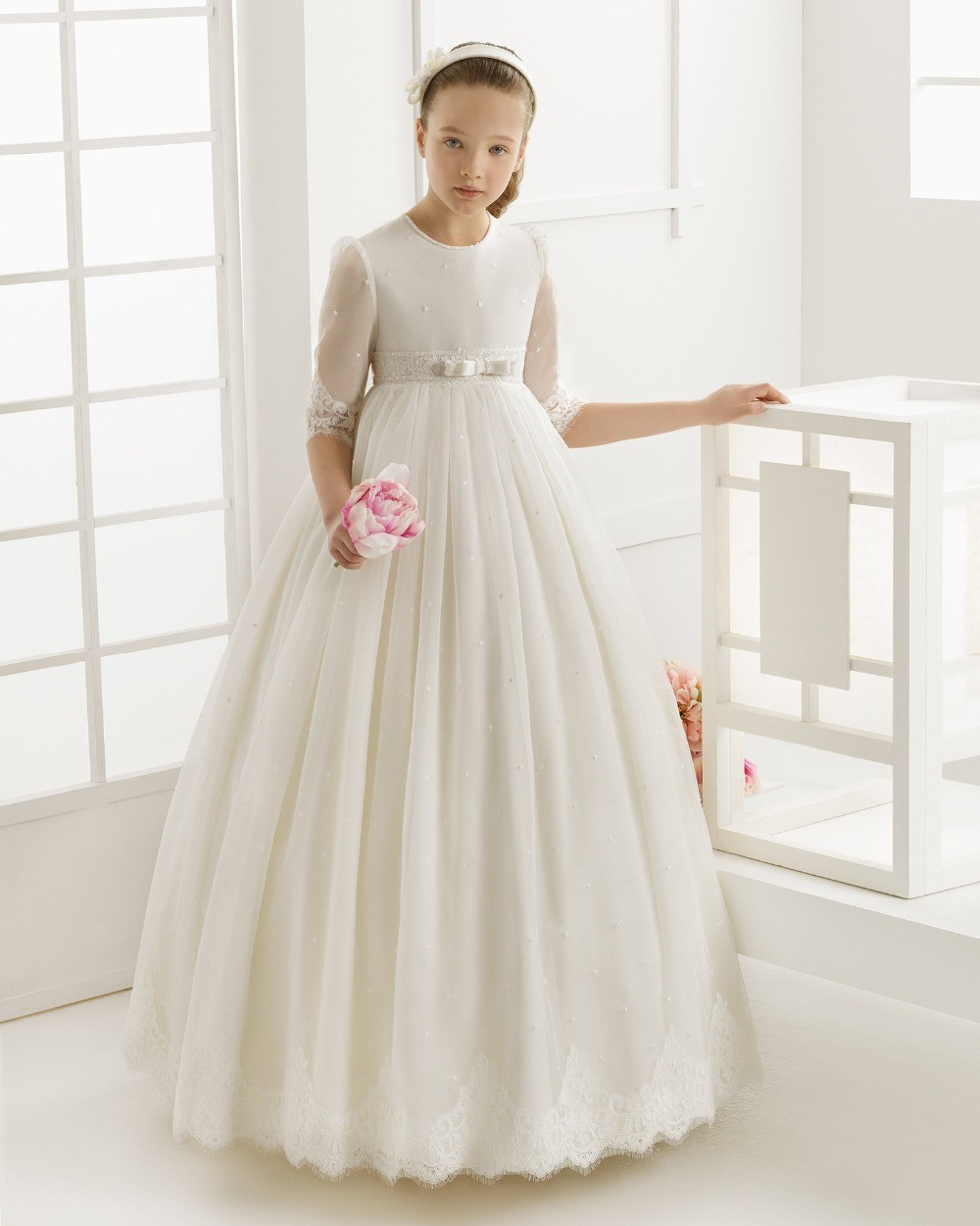 2017 Flower Girl Dresses For Weddings First Communion Dresses For Girls Tulle Ball Gown Half Sleeve Girls Pageant Dresses