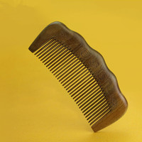 2017 New Hot High End Fine Wood Fine Teeth Carved Small Comb Natural Green Sandalwood Comb