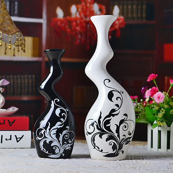 New arrival Fashion accessories Home Furnishing personality ceramic crafts / abstract ornaments shaped vase lovers