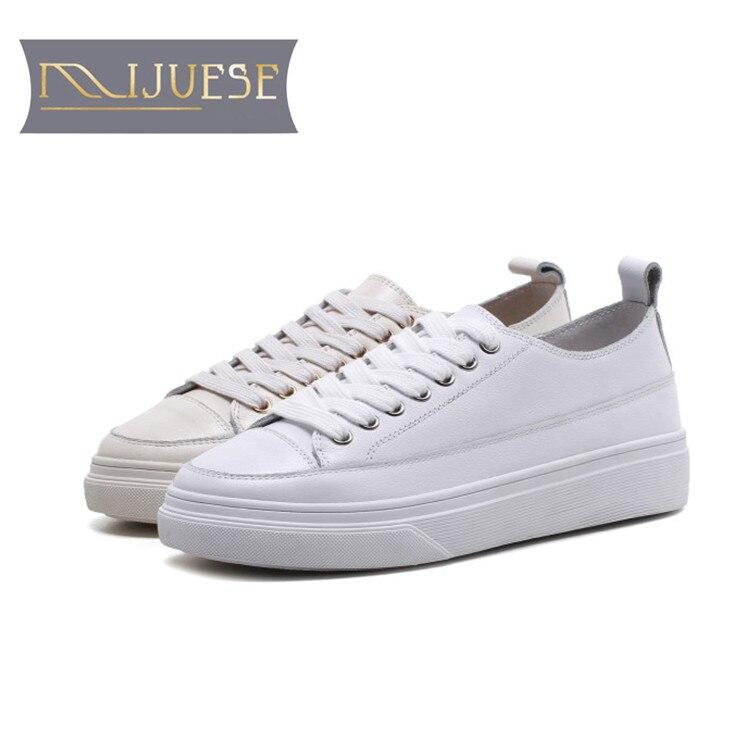 Ayakk.'ten Vulkanize Kadın Ayakkabıları'de MLJUESE 2018 kadın sneakers inek deri lace up beyaz renk sonbahar bahar Vulkanize Ayakkabı moda Ayakkabı kadınlar flats ayakkabı'da  Grup 1