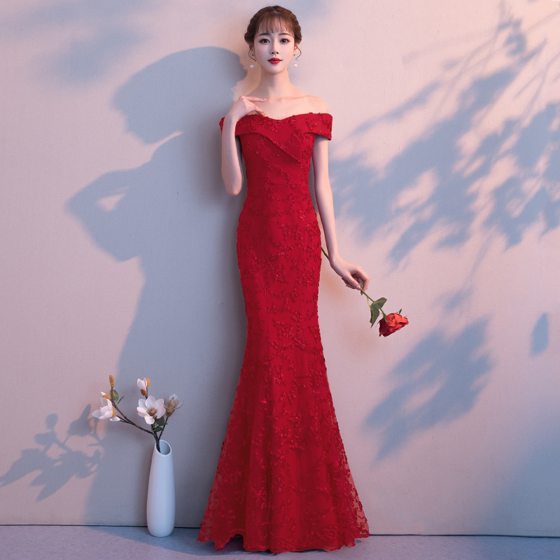 Nouveau chinois rouge femmes Cheongsam Sexy hors épaule Qipao élégant dames sirène étage longueur robes mariée Toast robe robes