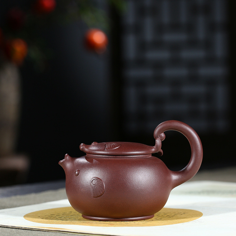 Raw Ore Purple Ink For Imprinting Of Seals Flying Fish Kettle Preserve Ones Health Kettle Kungfu Online Teapot Tea Set GiftRaw Ore Purple Ink For Imprinting Of Seals Flying Fish Kettle Preserve Ones Health Kettle Kungfu Online Teapot Tea Set Gift