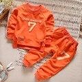 Conjunto de Los bebés Ropa Casual Letras Sport Chándal Infant Toddler Girls Ropa Top 2 unid T-shirt + Pant Los Niños Calientes invierno
