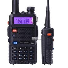 2 unidades de baofeng uv-5r walkie talkie de radio dual display 136-174/400-520 mHZ radio de dos vías con auricular libre BF-UV5R