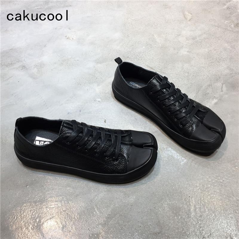 Cakucool New Genuine Leather Tabi Ninja Shoes Woman Split Toe Vintage Lace up Brand Designer Sneakers