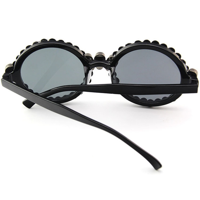Luxury Rhinestone Skull Sexy Cat Eye Sunglasses Women Brand 2018 Fashion Sunglasses Female Black Vintage Sunglass UV400