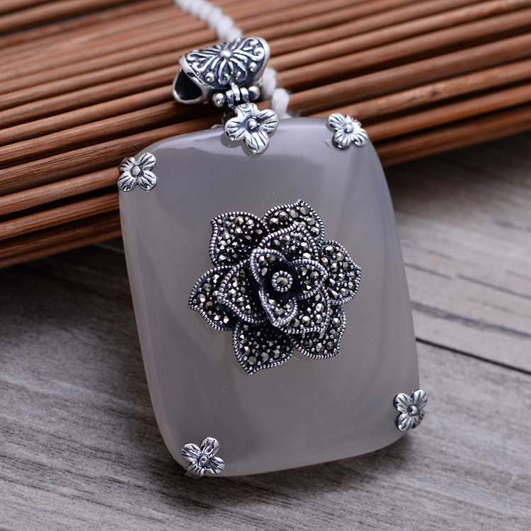 925 Sterling Silver White Chalcedony Tag Pendant Women Thai Silver Fine Jewelry Gift Necklace Accessories DIY Kit CH040693 925 sterling silver women lapis beads yellow chalcedony peacock pendant necklace rope chain thai silver choker jewelry ch057272