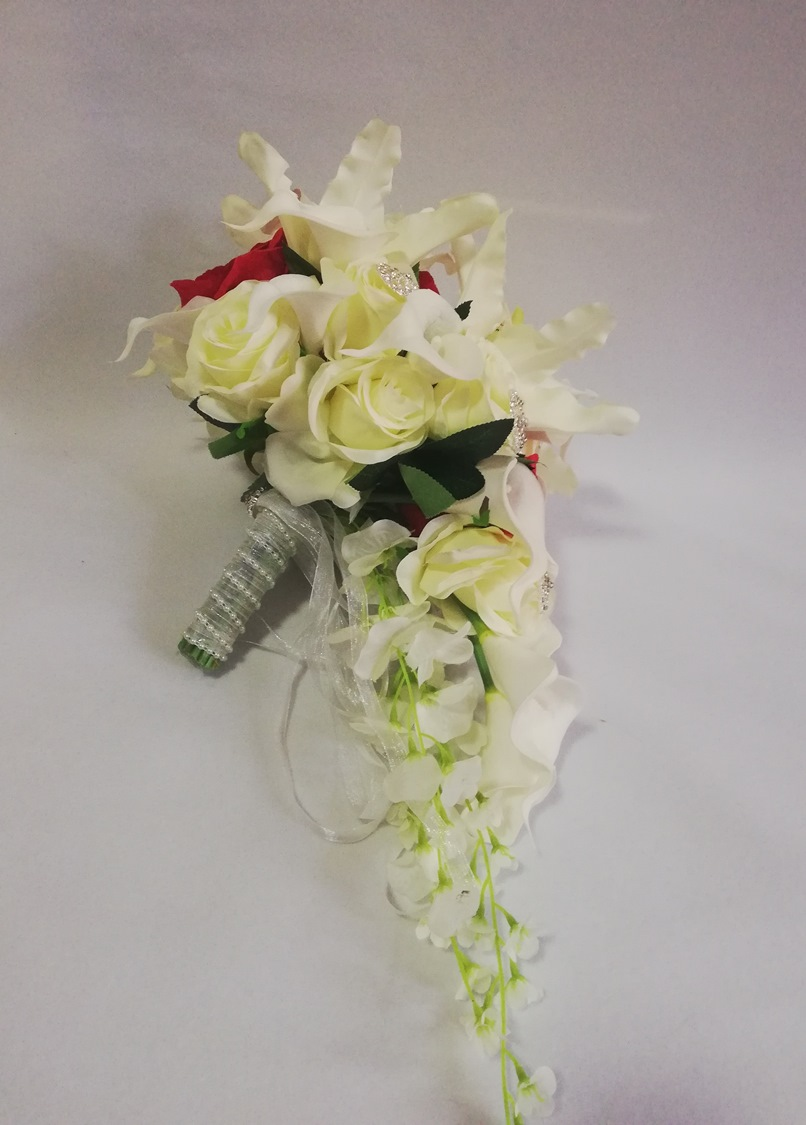 Waterfall Ivory Wedding Flowers Bridal Bouquets Artificial Pearls Crystal Wedding Bouquet De Mariage Rose