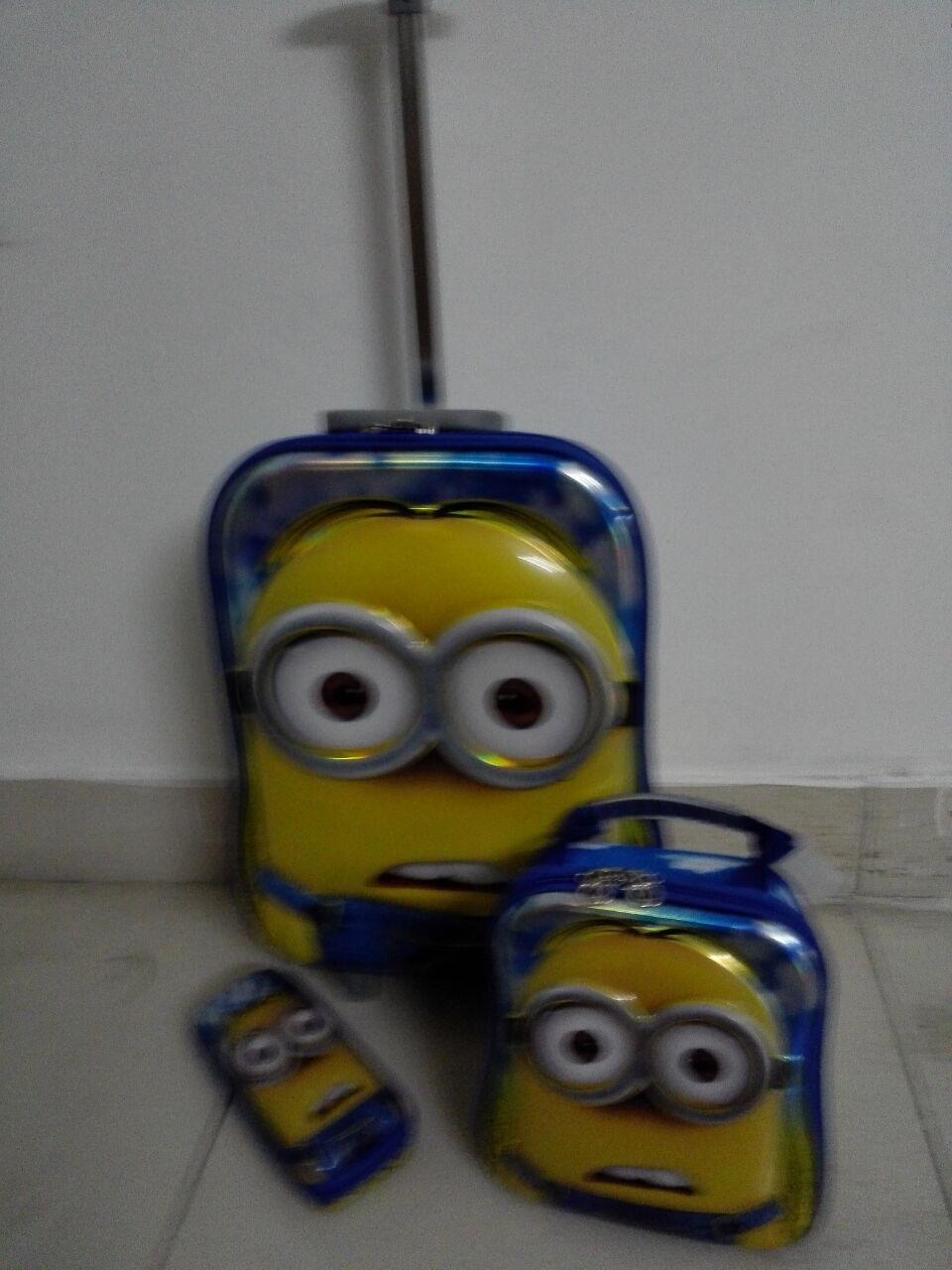 ФОТО 2016 Cute Minions  6D  travel suitcase sets   (lunch box + pen boxes+trolley luggage ) 16 inch EVA wheel bag trolley
