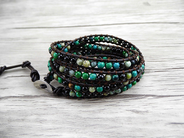 Bracelet en cuir à 5 rangées Bracelet en perles de pierre africaines vertes Bracelet en perles noires bijoux de Yoga