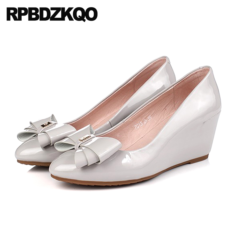 Size 4 34 White Pink 2018 Cute Bow Pointed Toe Sweet Gray China Women Patent Leather Pumps Bridal High Heels Wedge Wedding Shoes стоимость